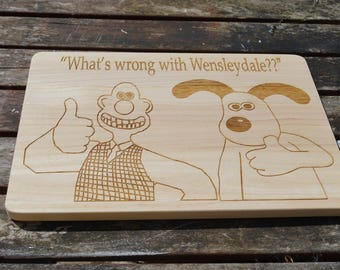 Wallace and Gromit, wooden cheese board, chopping board, personalised chopping board, wallace and gromit, serving platter personalised