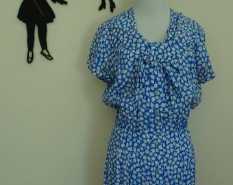 Vintage 1980's Floral Dress / 80s Does 50's Bow Day Dress M/L  tr