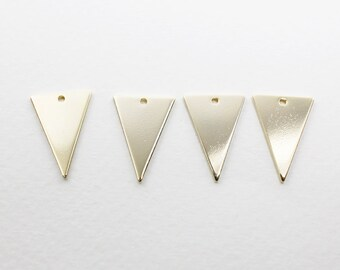 P0586/Anti-tarnished Gold Plating Over Brass /Isosceles triangle Pendant Large/13x18mm/4pcs