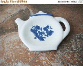 ON SALE Vintage Pfaltzgraff Stoneware Spoon Rest Tea Kettle Collectable