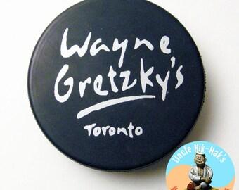 Wayne Gretzky's - Toronto (restaurant) Souvenir, Official Hockey Puck - Real Puck made in Slovakia - Vegum Brand - Hockey Legend - Sports