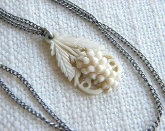 antique Victorian CARVED grapes pendant on chain necklace ~A1789