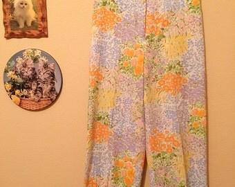 Darling 70s Floral Print High-Waisted Slacks