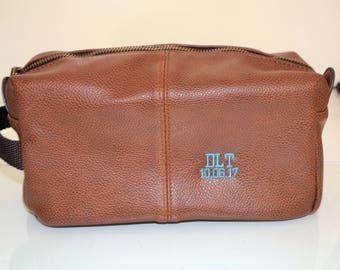 Personalised Mens toiletry bag, Dopp kitt, Wash Essensials, Wash bag with initials