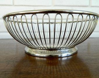 Round Mid Century Wire Basket, Retro Silver Basket, MidCentury Wire Basket, Vintage Wire Basket