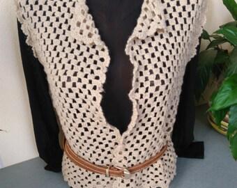 Vintage Women's Knitted Vest / Crochet Vest / Vintage Crochet Vest / Knit Vest / Bohemian Clothing / Vintage Cream Vest  / Knitted Top .