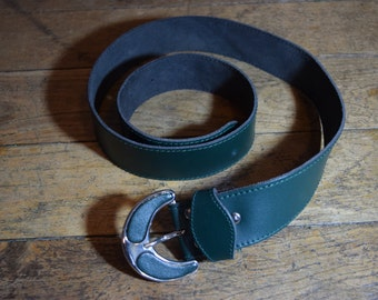 Belt real leather vintage 1980's working girl graphic green S/M / / Vintage 1980's S/M working girl graphic green leather belt