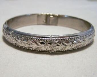 Vintage Antique Whiting & Davis Hinged Silver Tone Flower Floral Bangle Bracelet