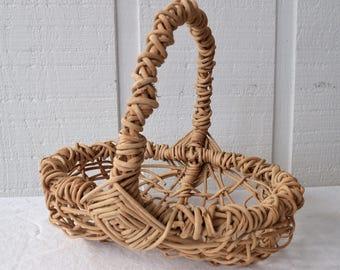 Bentwood oval basket, gathering basket,egg,natural, easter basket