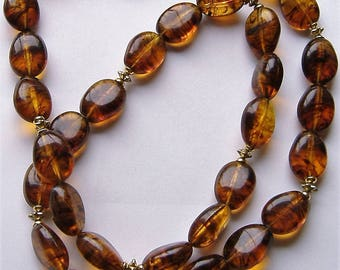1950S LUCITE NECKLACE SINGLE Stranded made to look like amber