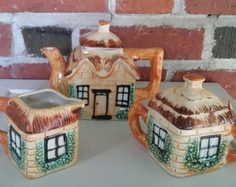 Vintage House Shaped Ceramic Tea Set Teapot Sugar Bowl and Creamer English Cottage Log Cabin Japan Midcentury Kitsch Pottery Retro Kitchen