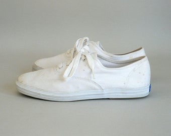 Womens Size 8 White Canvas Sneakers