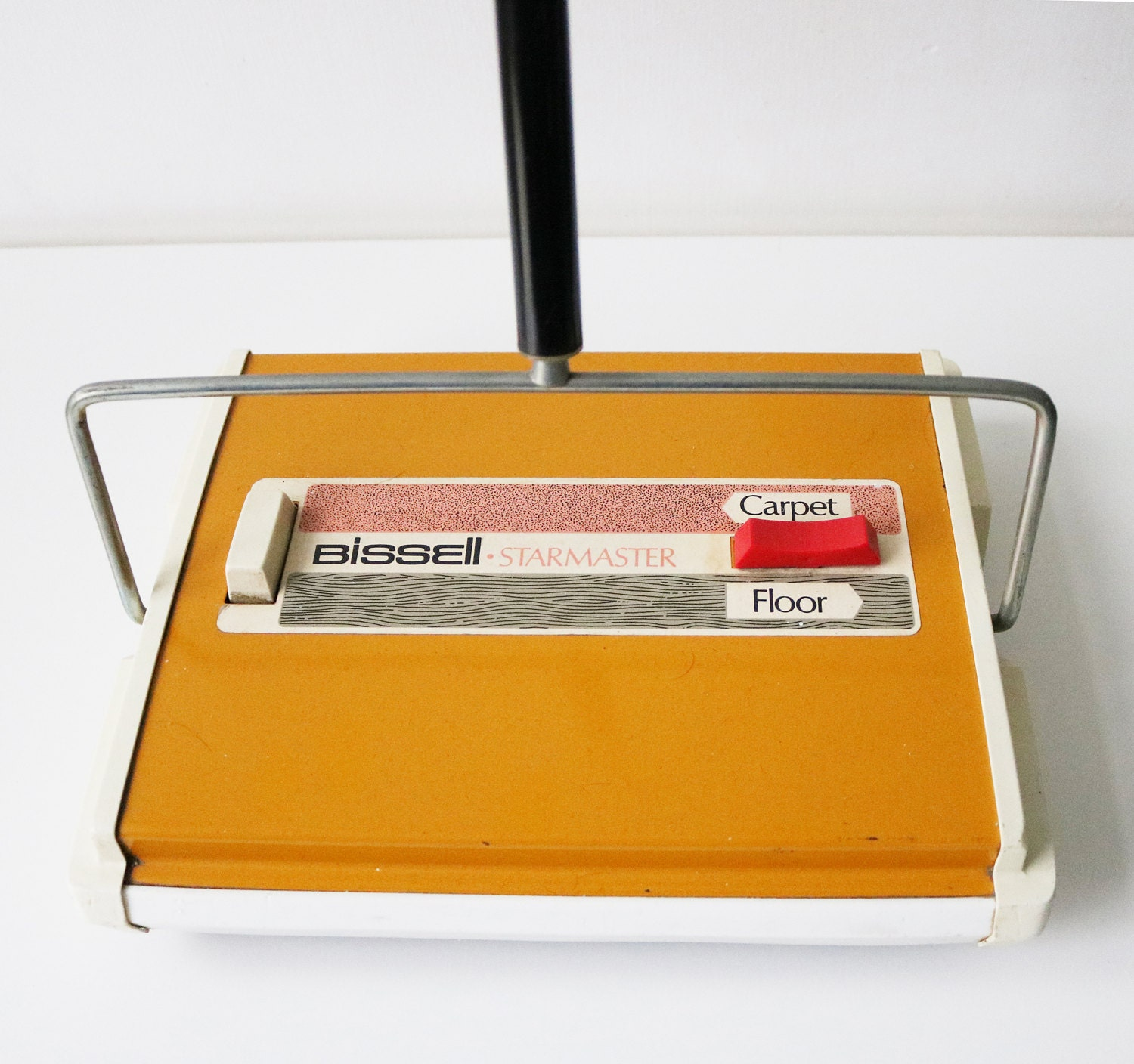 vintage bissell carpet sweeper mid century. Black Bedroom Furniture Sets. Home Design Ideas