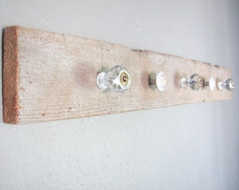 Rustic Barnwood Jewelery Organizer - Five vintage style knobs to hang jewelery or decor, wall decor/organization piece made from barnwood