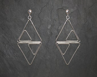 Asymetrical triangles earrings