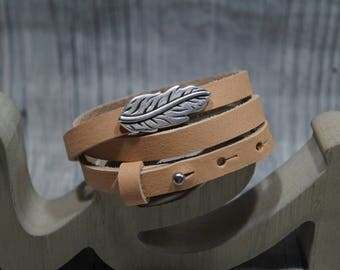 Wrap leather strap with Schiebeperle spring