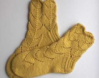 EUR Size 29 / US 11.5 / UK 10.5 / Handknitted Toddler Child Warm Wool Socks, Yellow, Lace Knit