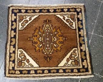 """Throw Rug, Vintage Rug, Small Rug, Small Kilim Rug, Bed Side Rug, Deco Rug, Turkish Rug, Handwoven Rug, Handknotted Rug,Home living.26""""×24"""""""