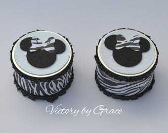 10 Minnie Mouse Zebra Silver containers, Minnie Zebra Containers,Minnie Favor containers,Zebra Favors,Minnie Zebra Party Favors,Zebra Party