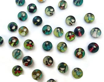 Pack 20/40 assorted pcs of cabochons with the dolls image gor 10 mm, ideal for projects material for projects of jewelry, bracelets