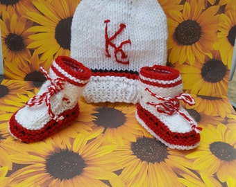 KC gift, Kansas city hat and baby booties, sport fan gift, baby booties Disney gift from grandma knitted baby booties special