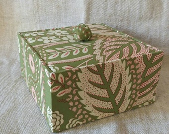 Small square box, decorative box, storage box, cartonnage, organizer, trinket box, throw-all box