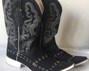 Black men's cowboy boots, from real leather and textile, embroidered, vintage style, western, old boots, men's size 8.