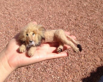 Needle Felted Lion - Realistic Wool Lion