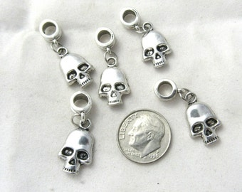 5 Antique Silver Skull Charm Dangle Beads (B155a14)