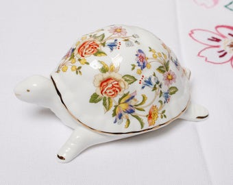"Aynsley COTTAGE GARDEN  lidded "" TORTOISE"" : English bone china decorated with beautiful English cottage garden flowers."