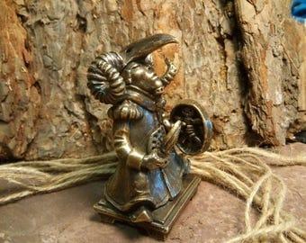Shaman the golden horns