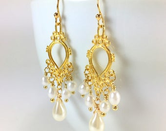 Pearl Dangle Pearl Wedding Earrings Drop Pearl Chandelier Earrings Pearl Bridal Jewelry Pearl Dangle Gold Chandelier Wedding Earrings Bridal