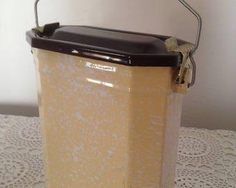 Vintage French enamel lunchbox, French lunchpail, vintage enamel cantine, enamelware