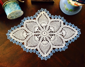 Custom Pineapple Doily - Winter Doily Decor - Crochet Lace Doily - Wedding Gifts - Farmhouse Decor - Rustic Home Decor - Coffee Table Doily