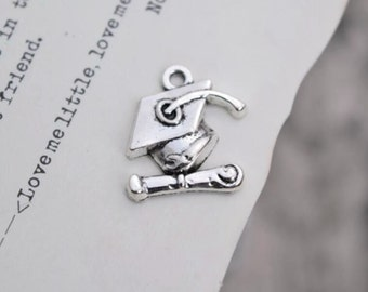 20 antique silver trencher cap charms hat charm pendant pendants  (L07)
