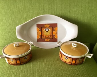 Vintage 70s Retro Ceramic Serving Dish and Casserole Dishes with a Tulip Design in Gold/Brown/Orange 5 Piece Set