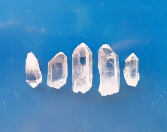 Raw Natural Clear Quartz Crystal Points Medium size 20g