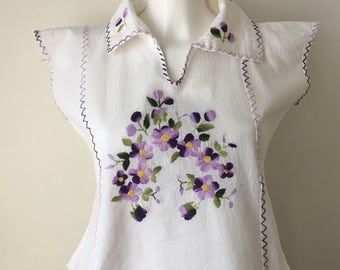 Embroidered top ethnic petite  handmade peasant blouse Eastern European natural cotton slip on short top chest 36 size S