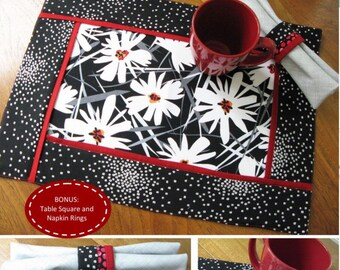 Inside Out Mats Pattern from Poorhouse Quilt Patterns, Reversible Placemat
