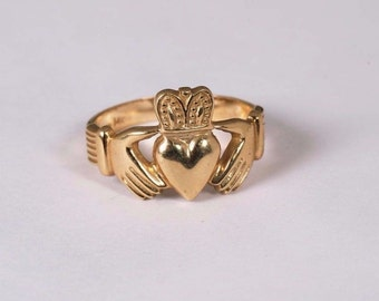 14K Yellow Gold Claddagh Ring, Size 9
