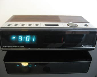 Vintage Panasonic Clock Radio - Made in Japan