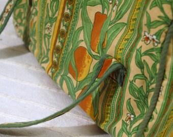 60s 70s vintage Floral Bag Plastic Coated Fabric Bag - floral lemon print - waterproof bag