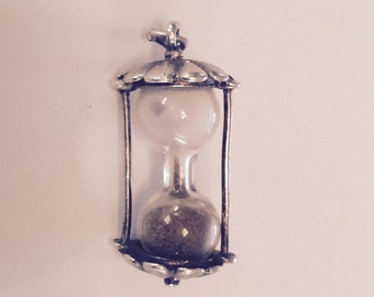 Sands of time hour glass sterling silver charm vintage # 521