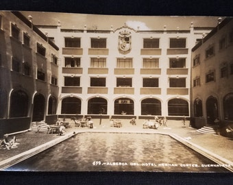 Vintage 1940s Mexican Postcard