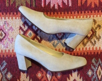 Vintage genuine suede chunky heeled pumps size 5 / 38