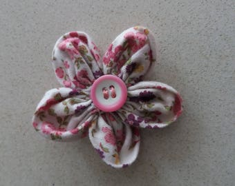 Fabric brooch, flower-shaped