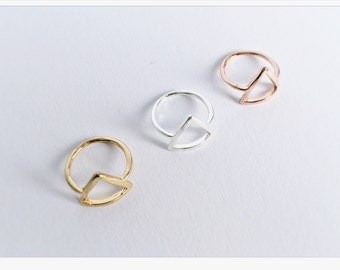 Ring Triangle SILVER, Minimalistic Rings, Ring in silver, Friendship Ring