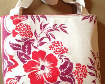 Go Hawaiian - Lovely Tote/Purse made from Vintage Tablecloth