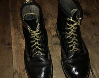 Vintage Dr Marten 1460 Boots