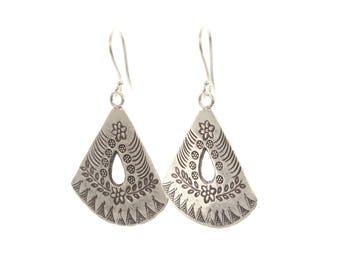 Sterling Silver Fan Effect Flowers & Leaf  Detailed Earrings